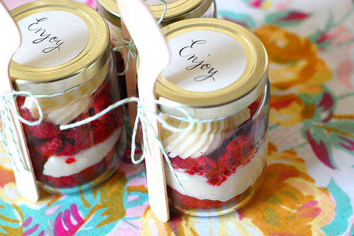 Do it yourself (DIY) Wedding Favor - Cake in a Jar